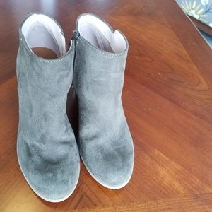 Old Navy faux leather boots